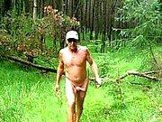 Лес я просто люблю получаете голый вне помещений и кончает