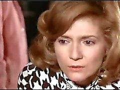 Nakenhet i fransk film Un linceul n'a pas de poches (1974 )