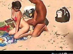 Cojidas de parejas En La Playa