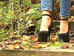 High Heels auf parkkipaikka