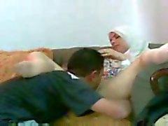 Office becerdin Arap kız