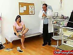 Il grasso mora con suocera riceve una gyno