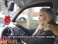 FemaleFakeTaxi Runaway matkustaja hillinnyt hallitseva MILF
