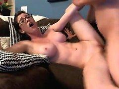 Busty adolescente y saludable hace película de sexo
