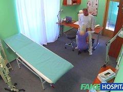 FakeHospital Seksi bir sarışın milf dik doktorları içinde boşalmak istediğini
