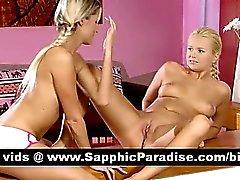 Sensuellt blondin Lésbos licking och finger fittan och ha lesbo könsbestämma