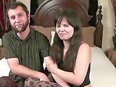 De coulée MILF poing et threesome de Danielle Amateu désespérés