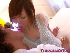 Japonya Teen Miku Airi emen bir doktor