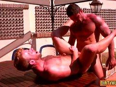 Sexo anal gay muscular e gozada