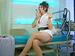 Sairaanhoitaja Lynda Leigh On R.L.C.