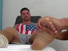 Good looking hunk wants to be cock sucked and feet licked