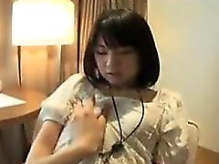 Adolescente asiático bonito vai para casa para comer e ela fica Cunny tocado