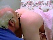 Tappning som är barn gamla paret
