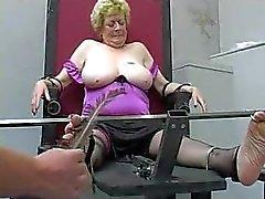 Englisch Granny kitzelte