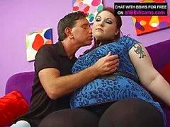 Mollig Rood Haar neukt met Giant tieten en Fat Ass Part 1