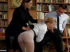 Cindy Hope se una escolar travieso que hay que castigada