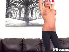 Bronzeur de Mayes aspergé d' sperme sur webcam show
