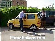 Milf tettona italiana scopata a pecorina - Italian milf fucked doggy style - porno italiano