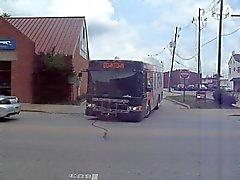 bussar som som lämnar busstationen