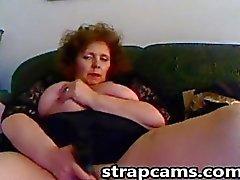Busty redhead Büyükannem big seks oyuncağı onu kedi sikikleri