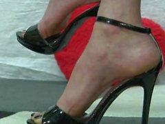 Vackra fötter i höga klackar