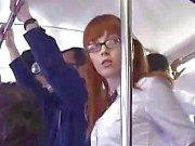 Japanese Schoolgirl Finger körd på bussen