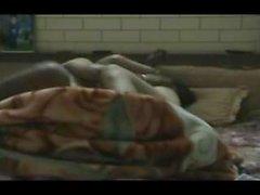 Intialaisia Desi Couple alennettujen Sex Tape äänet On The Bed--