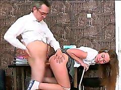 Relações sexuais 3some com a professora