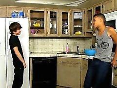 Twink videolle Kyler Moss on suuresti hullu boy , ja Robbie Ant