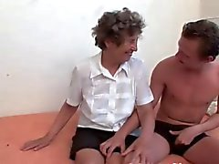 Tanlines Titties Büyükanne Fucks