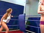 Sexy Europeiska flickor slåss