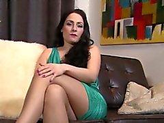 Del Regno Unito slut piace prendere in giro della sua calze