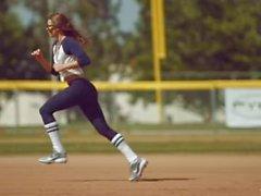 Kirsten Lee är körd efter baseball