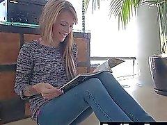 Emo Teens Laney Gedreht Masturbieren Die Auf Dem Fußboden