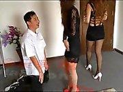 Çin Ballbusting kızlar