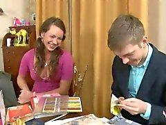 Russe Traducteur Maison enseignant donne cours complémentaires