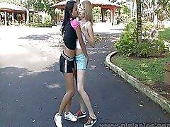 Cona Lamber Lésbicas Adolescente Tendo XXX exterior Hot