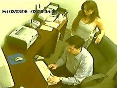 nep voyeur secretaris geeft tugjob CFNM
