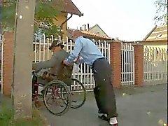Behinderte Oldman verdammtes Teenie