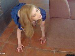 Givemepink Marylin Blond elige su placer de cinco consoladores gigantes