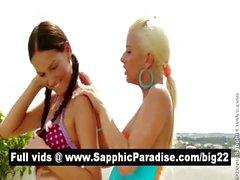 Superb брюнетка и блондинка лесбиянкам целоваться и раздеваться и с лесбийскому сексу