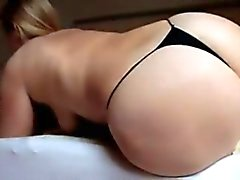 Sara grossa buttcrash