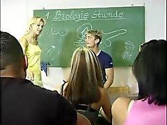 Der Schule 1-2 içinde Bi