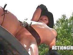 Susana Spears : Western Strip ACTIONGIRLS