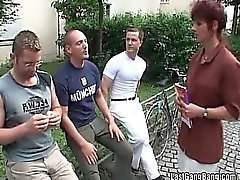 Ницца мамаша веселятся на порно сказки