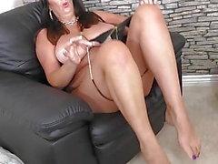 Super maman mature avec de gros seins naturels