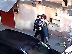El hombre se folla la boca de disco regordete maduras en público