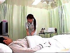 Geiles DEU Krankenschwester tut Körper zu dieser Prüfung Teil 1