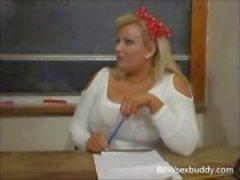 Sexy BBW opettaja vittuile hänen opiskelija pöydälle