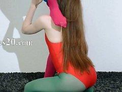 Волосатые лесбиянки в нейлона белья любящих